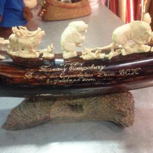 Ручная гравировка на деревянном сувенире