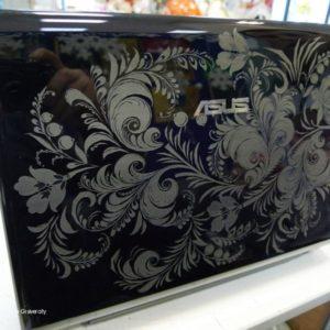 Гравировка на ноутбуке ASUS