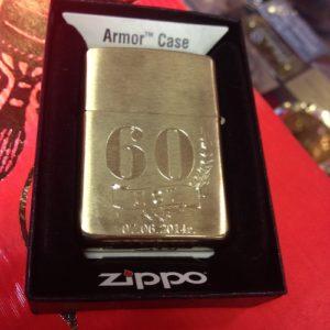 Зажигалка Zippo, гравировка «60 лет»
